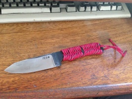Cuchillo de supervivencia